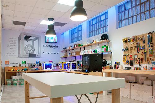 Debuenatinta y la multinacional tecnológica española BQ apuestan por la formación y educación en el ámbito del mundo 3D