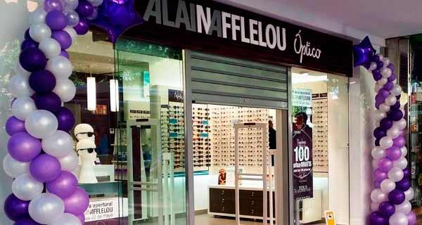Alain Afflelou Franquicias. La apuesta por la comunicación y la innovación han sido, desde el primer momento, la base de su éxito. La clave del éxito de Alain Afflelou está en ofrecer a los consumidores productos y soluciones innovadoras que se adapten a las necesidades del actual estilo de vida.
