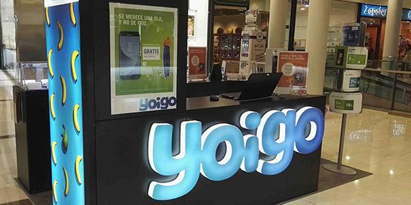 Yoigo - Tiendas Bymovil. Yoigo revolucionó el sector de la telefonía basando su estrategia comercial en la simpleza y claridad de sus tarifas, la comercialización de terminales de última generación y desarrollando un modelo de negocio que optimiza al máximo los costes repercutiéndolo directamente en beneficio del consumidor.