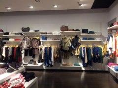 Franquicia Captivate Shops. Mujer independiente y trabajadora .