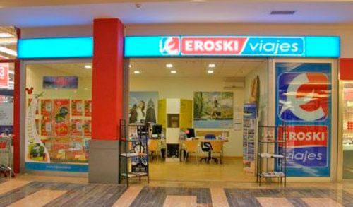 Viajes Eroski Franquicias.  Ponemos a disposición del cliente la tarjeta EROSKI red, que permite pagar los pagos cómodamente, y la tarjeta Travel Club, que premia las compras con puntos para canjearlos por regalos.