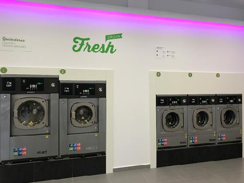 Fresh Laundry Franquicias Con una inversión de 80 mil euros y sin canon de entrada ni royalties, Fresh Laundry ha consolidado una red de franquicias ubicadas en diferentes ciudades.