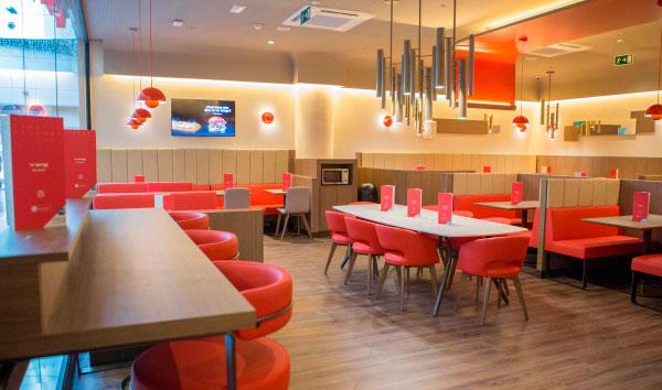 Franquicias Grupo VIPS. El nuevo VIPS Smart de Plaza de la Estación ha supuesto la creación de 23 puestos de trabajo y se trata del segundo VIPS Smart de Fuenlabrada, que ya cuenta con otro restaurante en el Centro Comercial Loranca y con un VIPS en Avenida de la Universidad, 1.