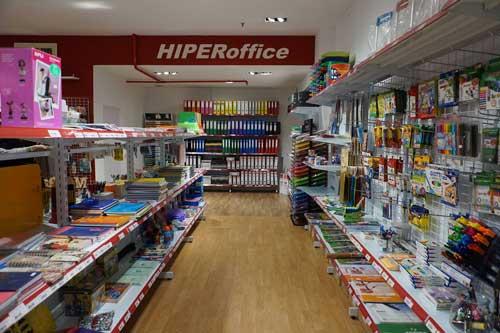 Franquicia HIPERoffice. Nuestro área de negocio es la Papelería, el Material de Oficina, la Reprografía, la Informática, Toner y tinta de Impresora original y compatible,  Material Escolar y mensajería y paquetería.