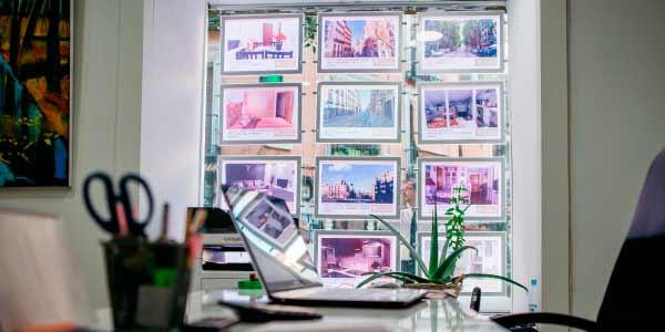 Franquicia Inmobiliaria Encuentro. Diariamente, todos los departamentos de Inmobiliarias Encuentro trabajamos conjuntamente para mantener y mejorar la eficiencia que tan buenos resultado nos ha dado.