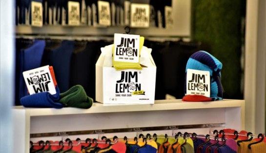 Jim Lemon Franquicias, es la Primera Cadena de Calcetines de todos los colores, con un pantone de más de 32 colores por cada modelo, para que el cliente lo pueda combinar con toda su ropa.