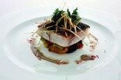 Franquicia Loft 76 lo mejor de la cocina tradicional. Lubina a la espalda con verduras