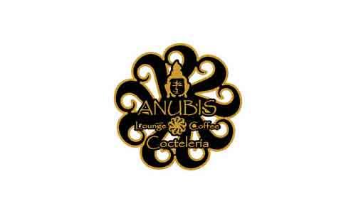 Franquicia Anubis Lounge Coffe Coctelería, negocio especializado en la venta de cócteles, cachimbas y combinados, en centros comerciales.