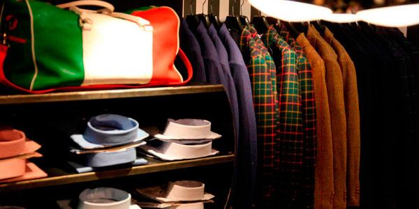 Single Bow Franquicias. Es una franquicia de moda masculina con un estilo propio. Sus colecciones combinan la tendencia y lo tradiciona