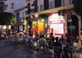 Franquicia Tapamanía,  es la cocina de casa. La cocina española, en pequeñas dosis de calidad, con una gran variedad y a precios muy bajos.