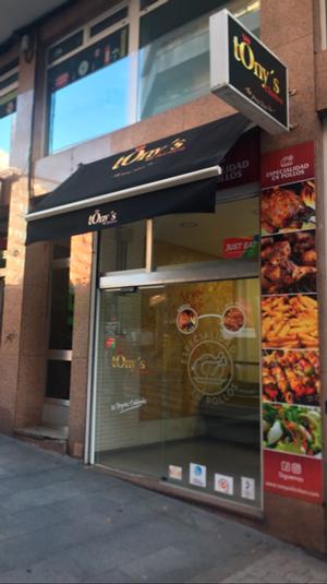 Primera cadena de comida rápida Especializada en Pollo